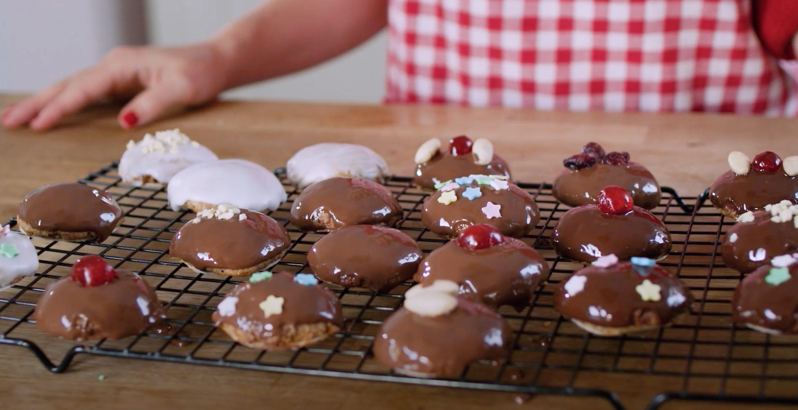 Lebkuchen aus Milchbrötchen - Backattacke mit Annie